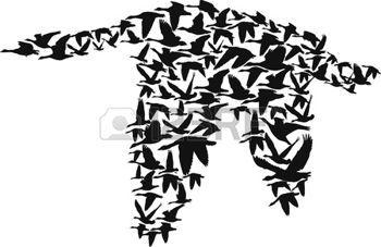 gansos volando crear una silueta m�s grande de los gansos, ilustraci�n vectorial…