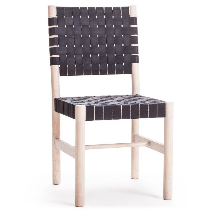 Milo C22 stol fra Decotique. Denne vakre stolen er produsert av massivt tre og er flettet for hå...