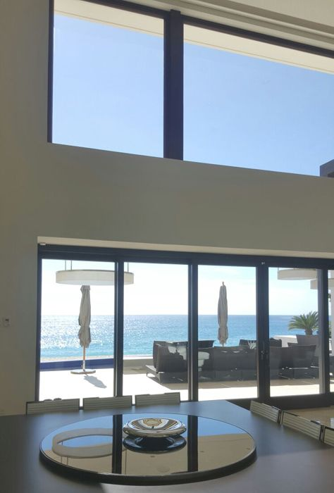 Huge windows for a great view of the Ocean (Mexico)