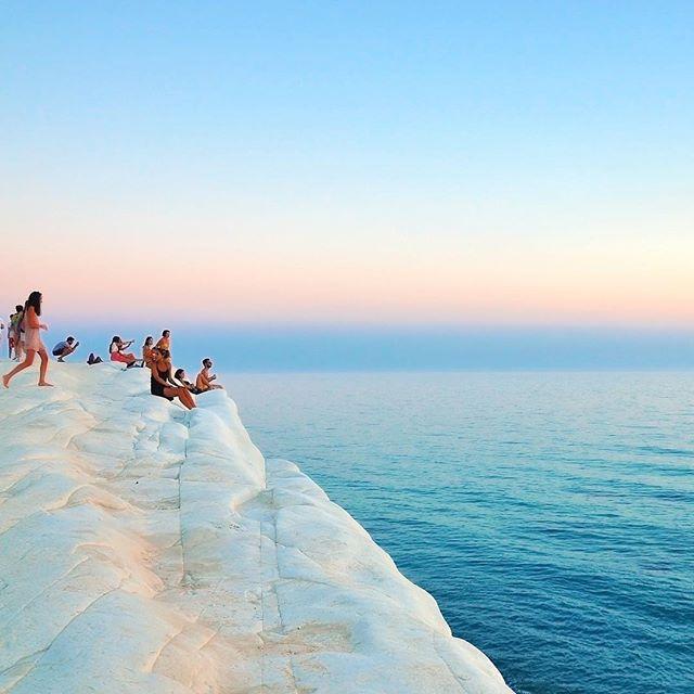 Scala Dei Turchi | Sicily, Italy  #italy #sicily #scaladeiturchi #travel #travelphotography #travelgram #travelersnotebook #localtour #localtravel #lovetotravel #traveldiary #travelbug #wanderlust #instatravel #beautifulplaces #traveladdict