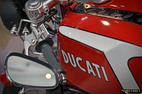 El Internacional Museo Automovilístico de Málaga, se vuelca con las motocicletas