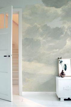 Met ons nieuwe behang loop je altijd met je hoofd in de wolken. #fotobehang #decoration #muurdecoratie http://www.kekamsterdam.nl/fotobehang/golden-age-clouds/