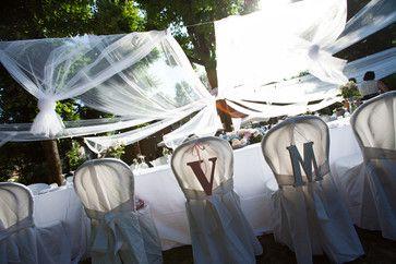Wedding in the garden: White Tulle,Light Bulbs & Flowers