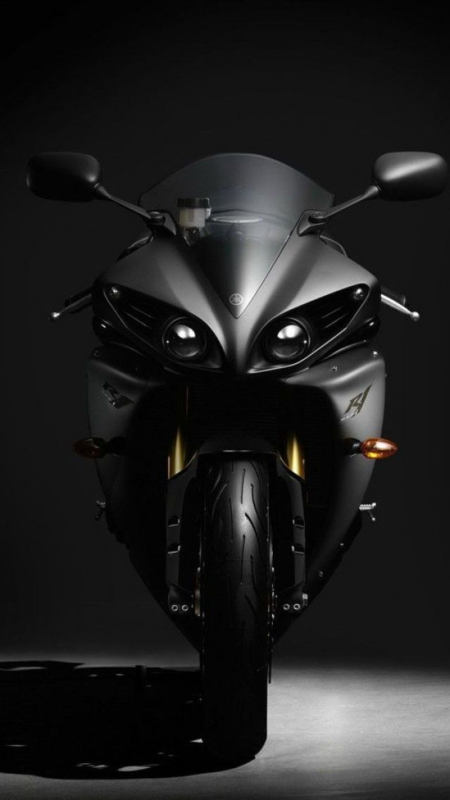 Yamaha YZF R1. My bun in the oven.