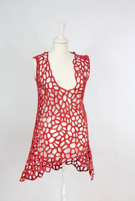 Dress, felted, felt, tunic, wool, fibre art, gift, small, dark red Au crochet, ce serait bien, le choix du fil donnera un effet différent.