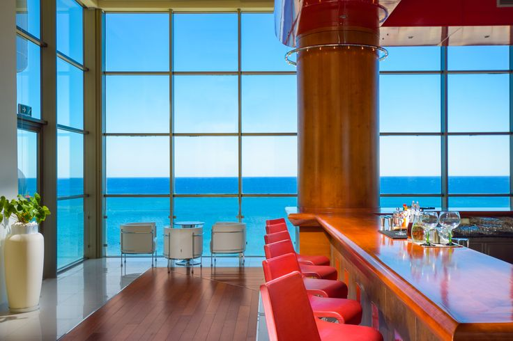 Crystal Lounge Bar - with breathtaking views of the sea and the hotel's atrium and cozy furniture in line with the hotel's modern design you can be confident that the Crystal lounge bar is the place to be if you are not very fond of the afternoon heat