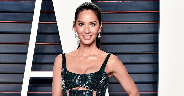 Olivia Munn showed off her fit figure at the Vanity Fair Oscars 2016 afterparty in L.A. on Feb. 28 in a gunmetal gown that put her underboob on display. See the pic!