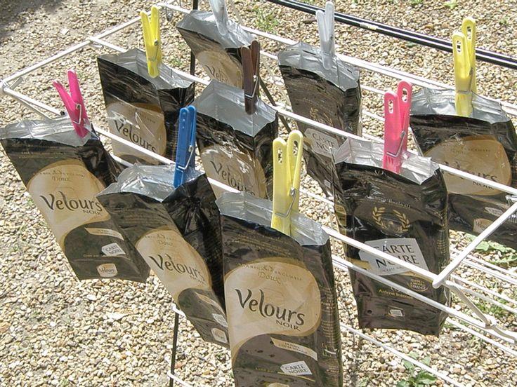 Recyclage de paquets de café en sacs, trousses, etc...
