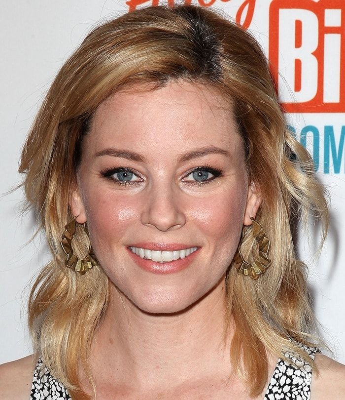 Elizabeth Banks At Malaria No More Presents Hollywood Bites Back Held At Club Nokia L A Live In Los Angeles On April 16 2001 Schauspieler