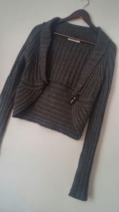 Bolerko\ sweter zapinany na klamre