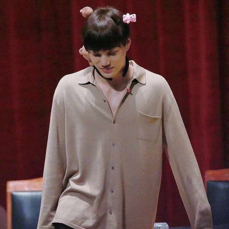 "22 Beğenme, 4 Yorum - Instagram'da KAİ 카이 • EXO 엑소 (@mr.jonginkim): ""goodnight """