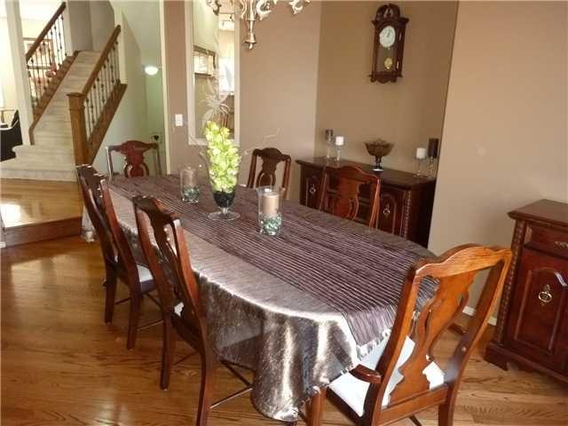 Spacious dining area  www.heatherdavis.ca