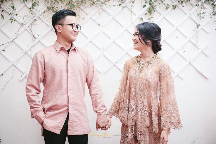 """328 Likes, 8 Comments - The Alee's Bridal House (@the.alees) on Instagram: """"✨ Happy engagement  Make up by @muhdiarafika  Wardrobe by @the.alees  Photos by @morningviewphoto…"""""""