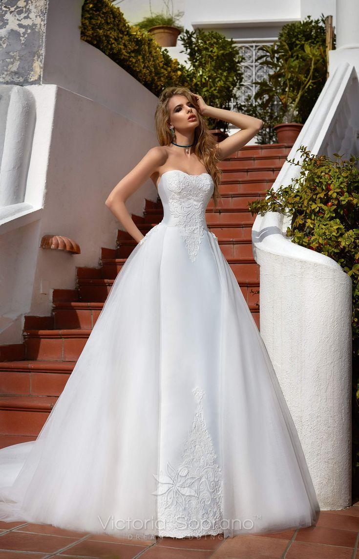 VIVA #wedding, #weddingdress, #nefelejcsruhaszalon, #esküvőiruha,#esküvő, #menyasszonyiruha,#menyasszony