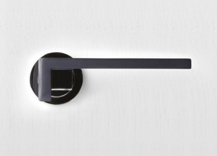 1730-Pittella-Door-Handle-Est-Living-DD