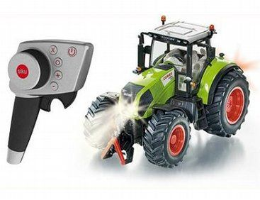 The 1/32 Claas Axion 850 RC Tractor from the Siku 1/32 RC Tractor range - Discounts on all Siku Diecast Models at Wonderland Models.
