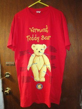 Vermont Teddy Bear T Shirt Red Background