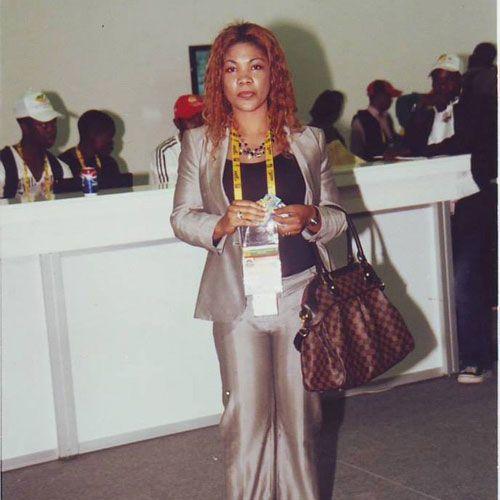 ENCORE MARLENE EMVOUTOU : ELLE ESCROQUE LES CAMEROUNAIS  AU NOM DE LA FECAFOOT :: CAMEROON