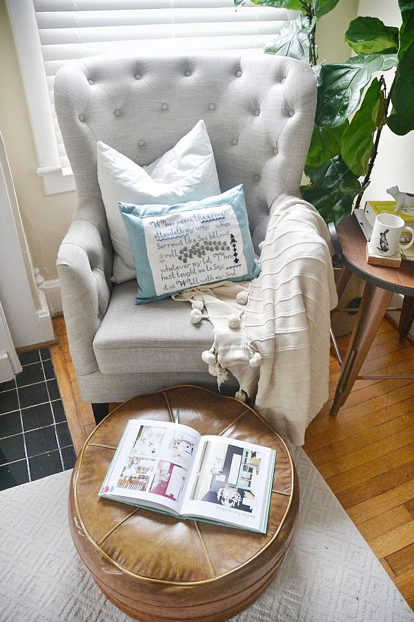 reading chairs for bedroom. The 25  best Bedroom reading chair ideas on Pinterest Reading chairs and nooks