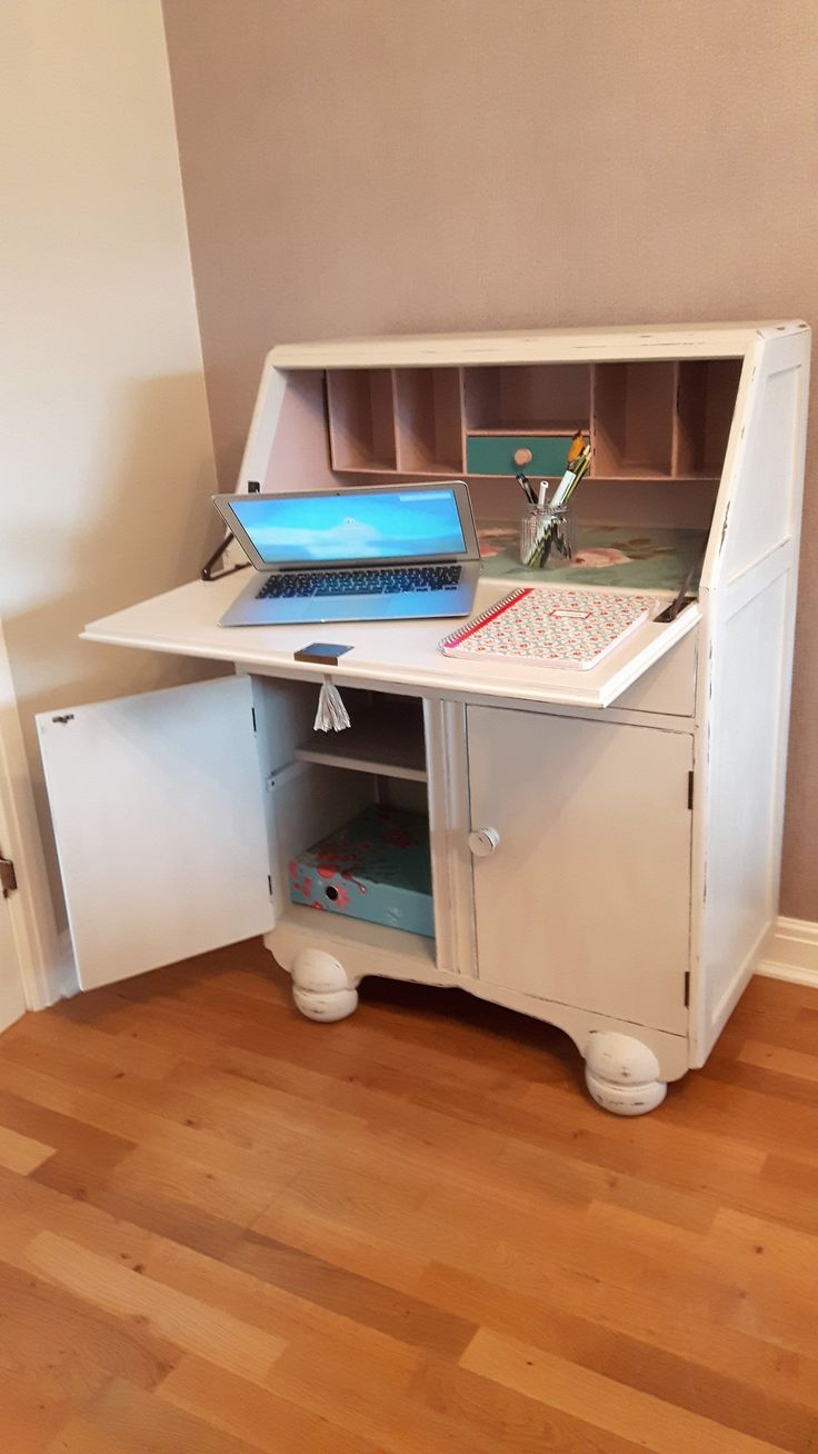 A Desk With Difference Lovely Hand Painted Original Jentique 1930 S Bureau In Rustoleum Winter