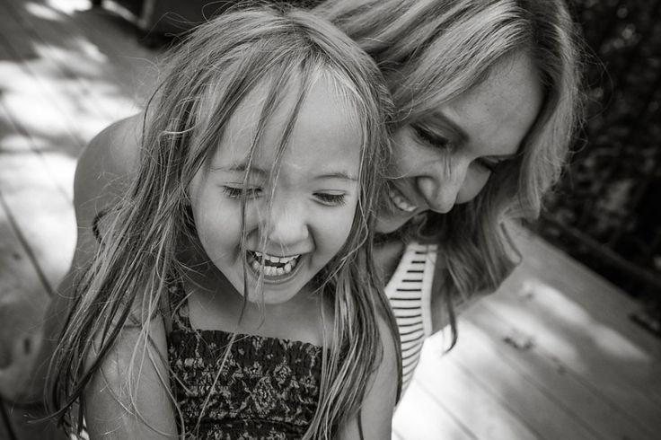 Το μόνο που αρκεί μερικές φορές είναι να κάνω 5 σκέψεις σε 5 δευτερόλεπτα….    Μαμά θα πει αγάπη, στοργή, φροντίδα…  Μαμά θα πει ασφάλεια, γαλήνη, αγκαλιά…  Μαμά θα πει πολλά…  Μέσα από τη ψυχή μας αναβλύζουν τόσα συναισθήματα καθημερινά