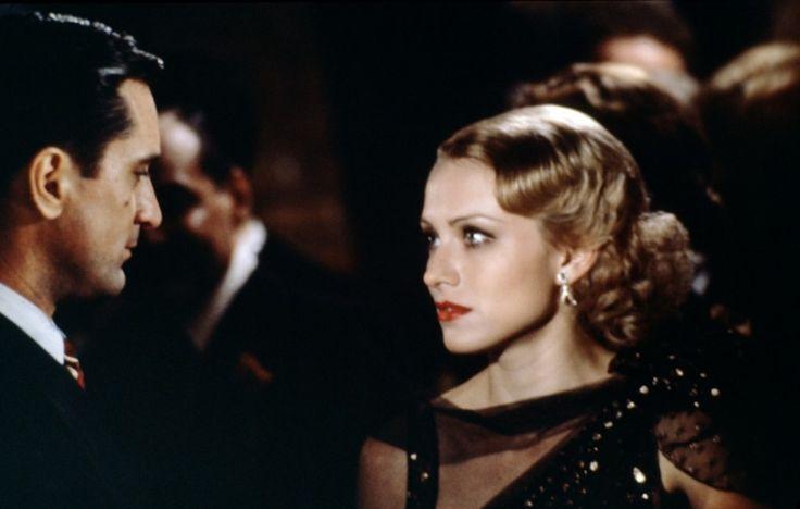"""кадры из фильма """"Однажды в Америке"""" Роберт Де Ниро, Элизабет МакГоверн,"""