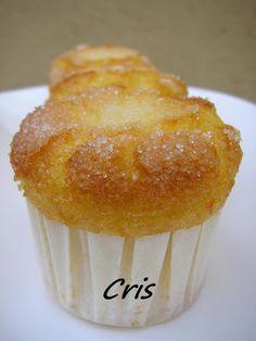 Ingredientes: 4 huevos 220gr. de harina 200gr. de aceite de girasol 200gr. de azúcar 1/2 naranja de zumo con piel 1 sobre de levadura 1/2 ...