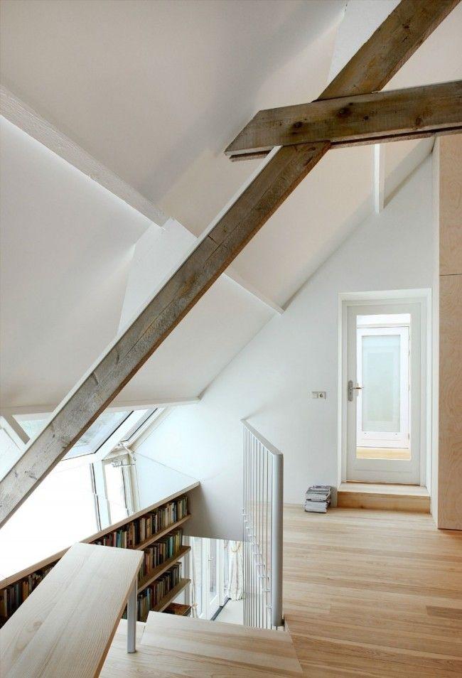 Haus Satteldach Sichtbare-balken rustikal Weiß-gestrichene Wände