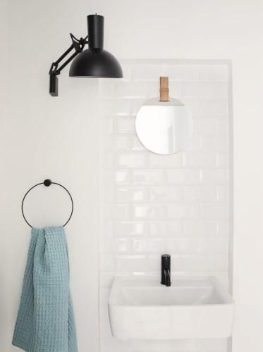 Design is in the details! Use Ferm Living's black towel hanger to elevate your hand towels.