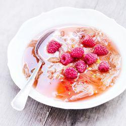 Recept - rabarber-frambozensoep - met Beekers Berries