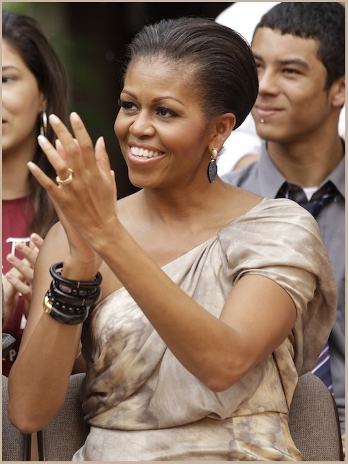 Mrs. Obama in Brazil: Obama Clothing, Lady Michele, Lady Style, 1St Lady, Michelle Obama, Michele Obama, Obama Style Hair Clothing, First Lady, Barack Obama