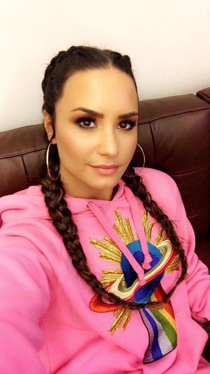 Trança Boxeadora +de 80 Ideias Incríveis de Penteados com a Trança Boxeadora #Trança #Boxeadora #TrançaBoxeadora | Trança Boxeadora de 2019 | Tranças boxeadora, Demi Lovato e Amor da minha vida