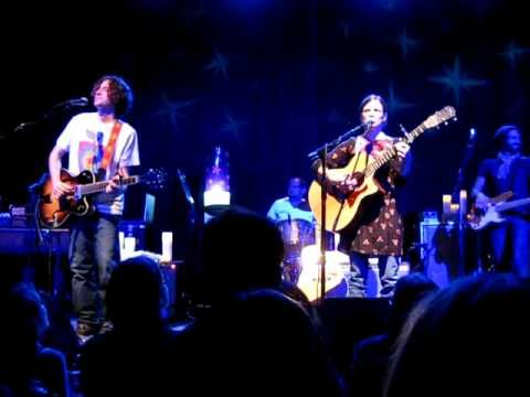 """""""Gotta Have You"""" (LIVE) - The Weepies"""