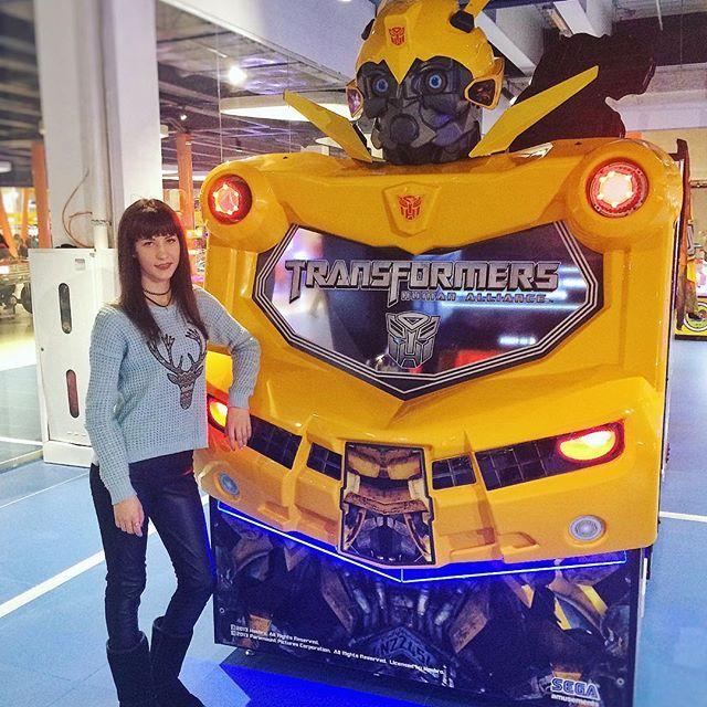 Обожаю фильм #трансформеры 🤖#transformation #girl #lavinamall #bee #bumblebee