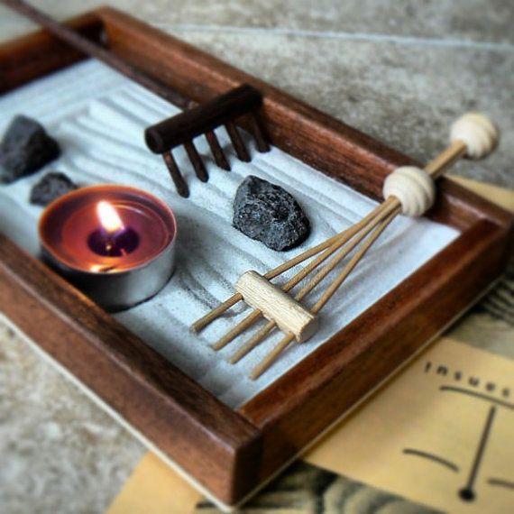 Giardino zen da scrivania in legno mogano 15x19x3 di Giardinoz3n, €18.00