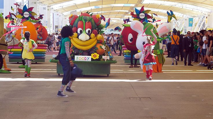 Foody parade at Expo Milan 2015 #raiexpo #expo2015 #italy #milan #worldsfair #foody #parade #disney