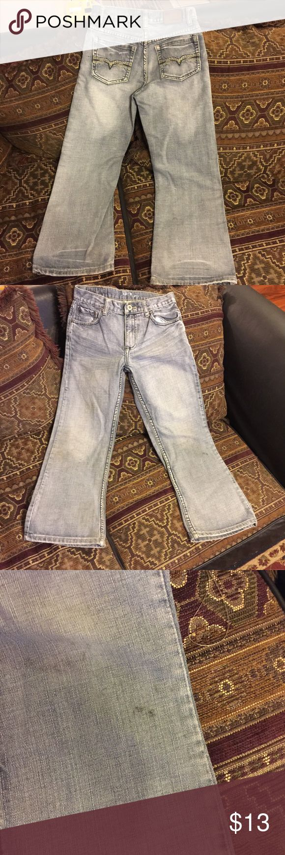Boys sz 10 Flypaper Jeans sz 10 Boys boot cut Flypaper jeans sz 10 in good preowned condition(does have a mark on the left leg should come out see pic). Bundle & Save! flypaper Bottoms Jeans