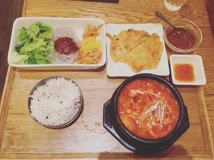 普段食べない食べ物を食べるとより一層自分の好みが浮き彫りになると思った  #韓国料理 #辛いもの #スンドゥブ #japan