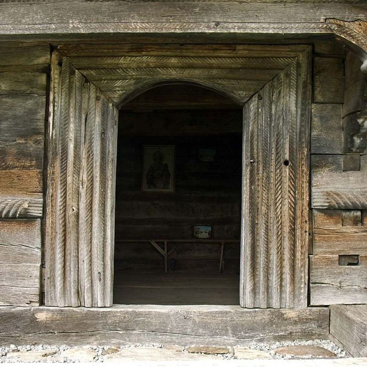 Tusa.portal intrare - Biserica de lemn din Tusa - Wikipedia
