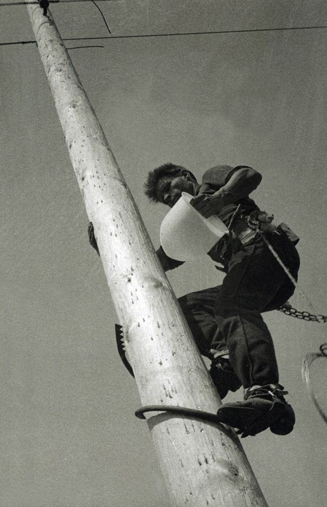 Electrician on the pole, 1929