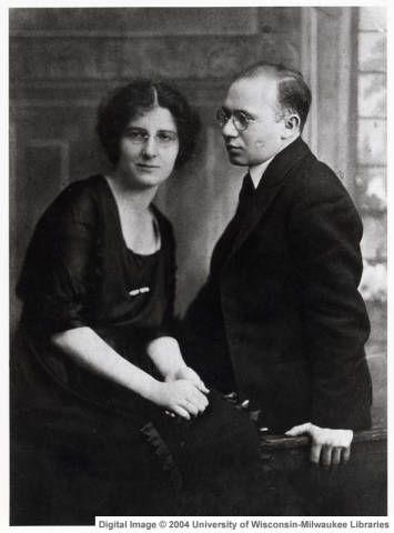 1918: Golda Meir with husband Morris Meyerson ::