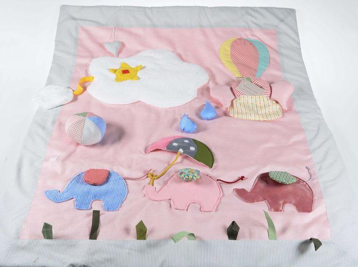 Coperta sensoriale, tappeto gioco con elefanti  di MaMa's baby Italy  su DaWanda.com
