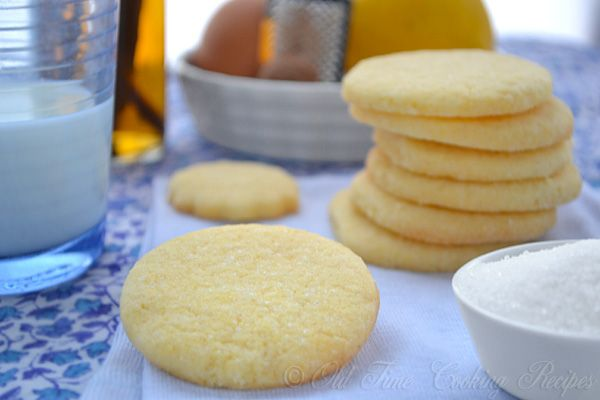 Old Fashioned Sugar Cookie   Ingredients 2 eggs, well beaten 2 cups granulated sugar 1 cup butter 2 tablespoons milk 1 teaspoon vanilla extract 3 cups flour 2 teaspoons baking powder 1/2 teaspoon salt 1/2 ts nutmeg (optional) Instructions In a large bowl, mix the butter, sugar, egg and vanilla extract. Stir in the [...]
