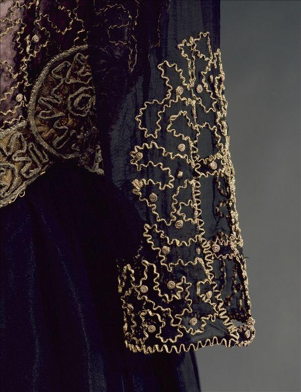 Robe habillée, Jeanne Lanvin, détail de la manche © Galliera Roger-Viollet