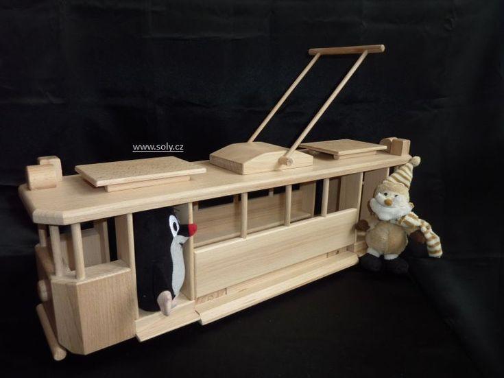 Krteček a dřevěná tramvaj, hračka pro děti