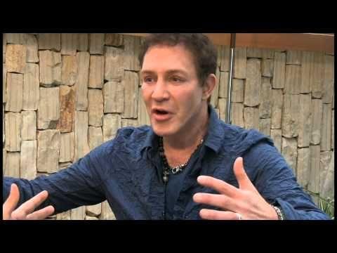 Interjú Eric Pearl kapcsolatteremtő gyógyítóval