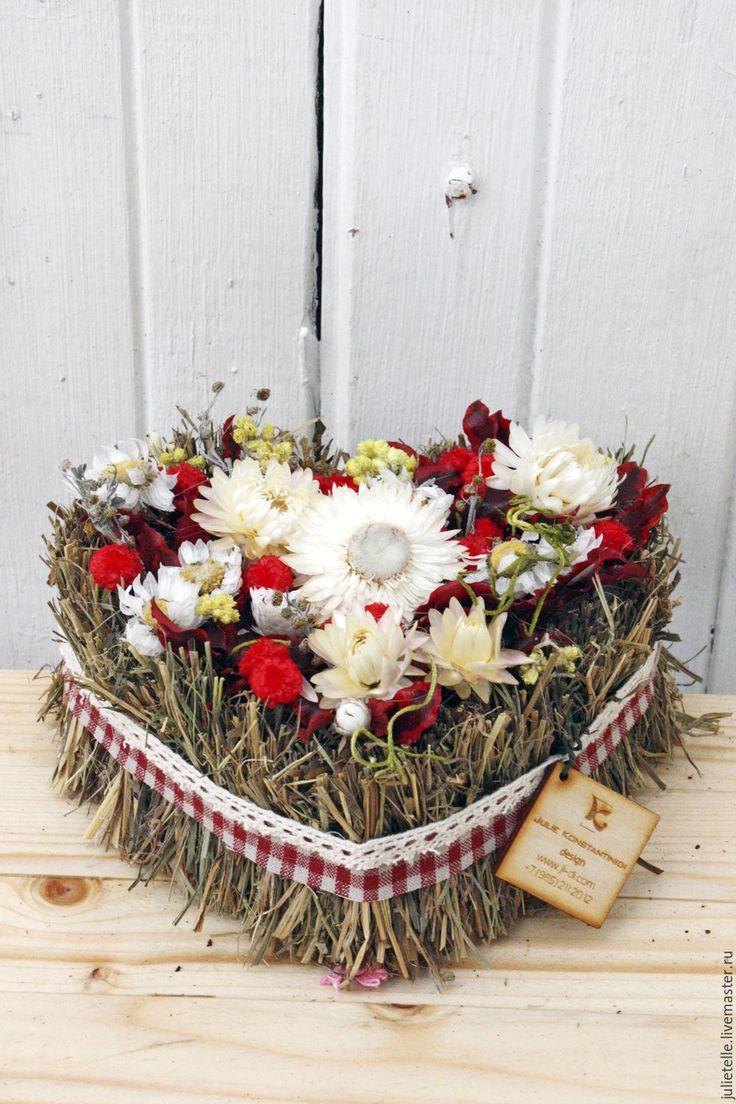Купить Цветочная Валентинка - ярко-красный, валентинка, сердце из цветов, подарок, романтичная композиция, цветы