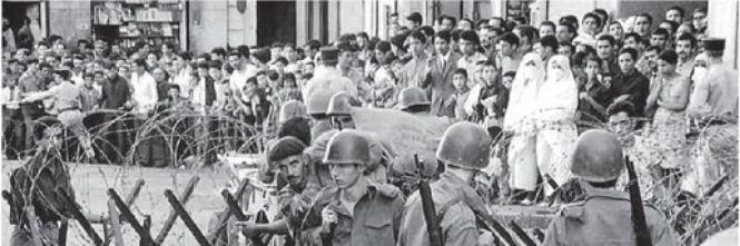 - Un centro di tortura dei paracadutisti di Massu, ad Algeri. - E dopo la guerra? - Ho fatto parte dei traditori che hanno potuto andarsene dall'Algeria. Sono anche riuscito ad avere nuovi documenti.