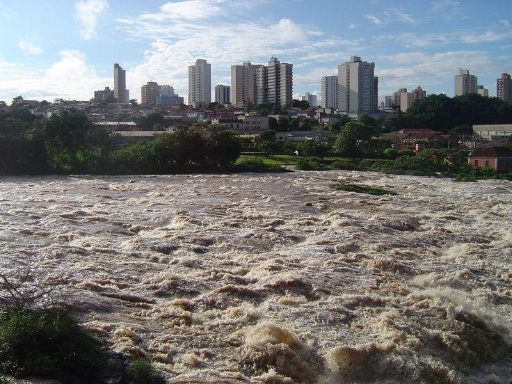 Piracicaba e seu famoso rio Piracicaba que deu o nome a cidade e ao municipio do Estado de São Paulo, Brazil