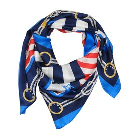 TOMEL - On adore ce foulard style marin sur http://www.tomelapp.com/